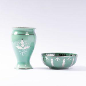 Wedgwood Veronese glaze vase c.1930